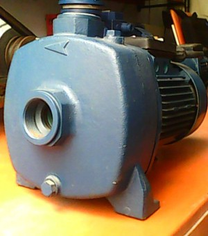 Water well drilling pump